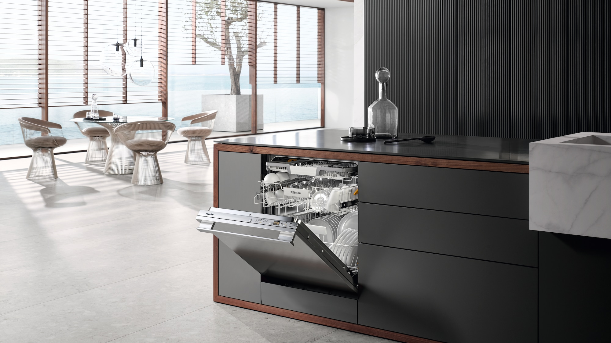 The G 5000 Series of High End Dishwashers Open View