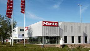 Besøg Mieles showroom i Glostrup og Vejle. Vi holder åbent mandag til lørdag. Her kan du opleve alle Mieles fantastiske produkter og få professionel vejledning.